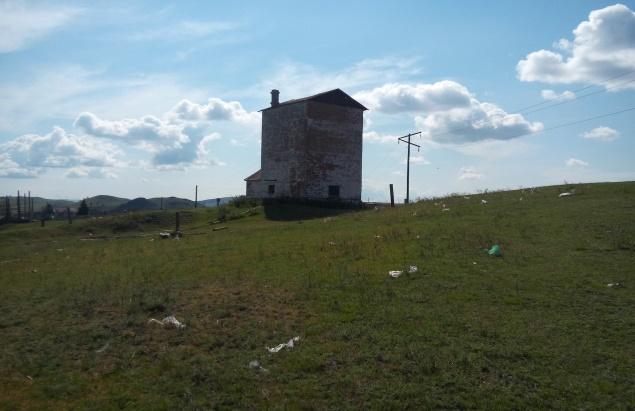 Рисунок 3. Водозабор на прилегающей к свалке территории (фото автора)